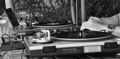 DJ Niels V